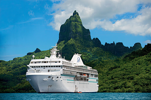 Paul_Gauguin_Bora_Bora - Built for Bora Bora: The Paul Gauguin's size lets her  maneuver from open ocean to shallow waters as nimbly as a yacht.