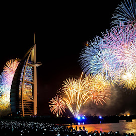 Fireworks by Emraan Bhatti - Public Holidays New Year's Eve ( new year, dubai, burj al arab, fireworks, people )