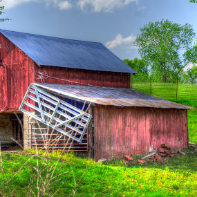 McClusky barn by Jody Jedlicka - Buildings & Architecture Other Exteriors ( red barn, illinois, barn, midwest, old barn )