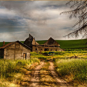 Palouse-house-and-Barn.jpg