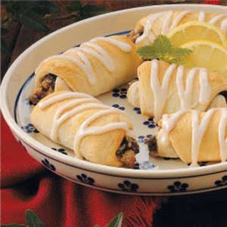 Sweet Raisin Roll-Ups