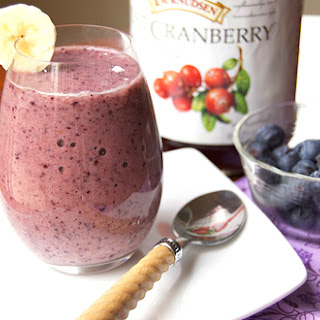 Detox Blueberry Fruit Smoothie.
