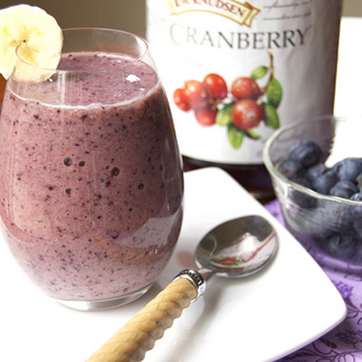 Detox Blueberry Fruit Smoothie Recipe