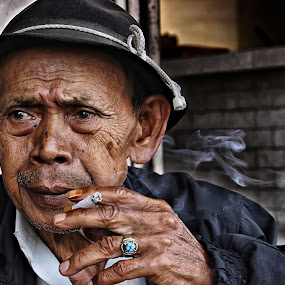 Keep Calm by Hindra Komara - People Portraits of Men ( human interest, photo, people, photography, portrait, street photography )