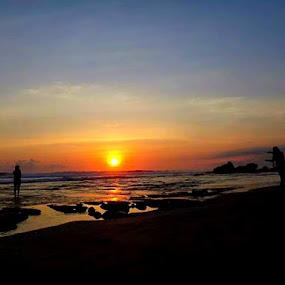 Tanah Lot - Bali by Merah Putih - Landscapes Sunsets & Sunrises