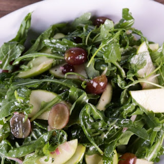 Arugula Salad with Apples and Grapes.