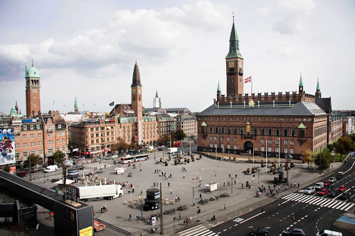 City Hall Square, part of the capital's city center, is one of the main squares in Copenhagen. Danes gather here for demonstrations, to pay tribute to sports heroes, for big concerts and for exhibitions.
