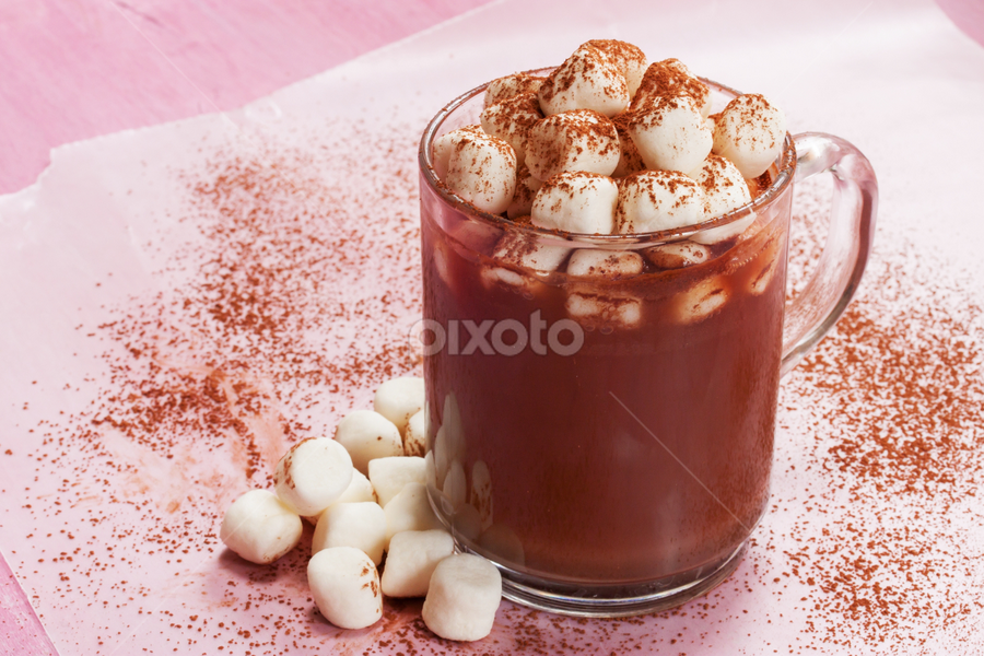 Hot cocoa by Vrinda Mahesh - Food & Drink Candy & Dessert ( hot drink, hot chocolate, horizontal, food, food photography, marshmallows, hot cocoa, cocoa powder, winter drink )