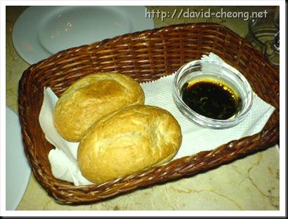 Cafe cafe, bread