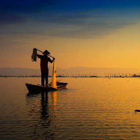 Fisherman by Indrawan Ekomurtomo - People Professional People (  )