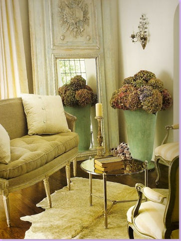 Pamela Pierces Daughter Shannon Bowers Lives And Designs In Dallas She Too Favors The French Inspired Country Home Look Here A Clients Living Room