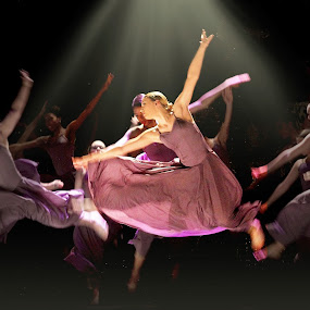 In a Dream by Sandra Hilton Wagner - News & Events Entertainment ( dancers, movement, entertainers, low light, ballet, women, graceful,  )
