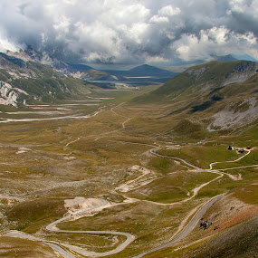 Campo Imperatore by Ricky Papex - Landscapes Mountains & Hills ( campo imperatore, abruzzo, l'aquila, italy, path, nature, landscape,  )