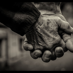 I'd be lost without your love and I wont survive by Petrea Ionut - People Body Parts ( love, old, hands, old couple, couple, together,  )