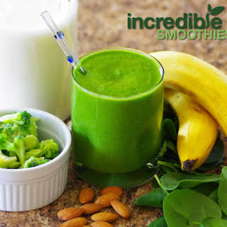 Pineapple-Broccoli Green Smoothie.