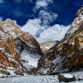 Impose by Madhujith Venkatakrishna - Landscapes Mountains & Hills ( , snow, winter, cold, colorful, mood factory, vibrant, happiness, January, moods, emotions, inspiration, Earth, Light, Landscapes, Views, relax, tranquil, relaxing, tranquility )