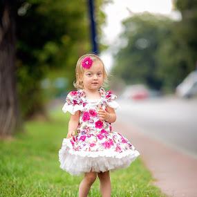 Beautiful princess  by Stoyan Katinov - Babies & Children Child Portraits ( canon, glamour, child, girls, girl, beautiful, children, katinov, kids portrait, kid )