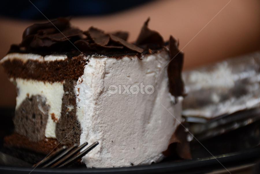 Chocolate vs Cream by L 's - Food & Drink Candy & Dessert ( cake, chocolate, dessert )