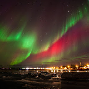 Aurora over Selfoss by Páll Jökull Pétursson - Landscapes Starscapes ( f2.8, 2014, green, aurora borealis, canon eos 5d mkii, selfoss, rokinon, iceland, red, sky, 14mm, night, northen lights, light )