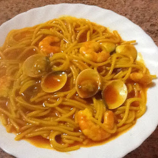 Spaghetti with Clams and Prawns