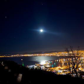 Full Moon by Reon Rich - City,  Street & Park  Vistas ( signall hill, full moon, cape town,  )