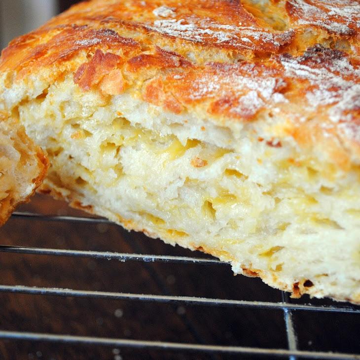 No-Knead Cheddar Cheese Bread