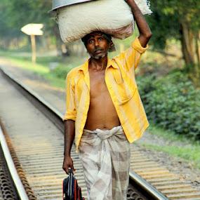 workman by Manjurul Reza - People Street & Candids ( dipon chandra, rahat rumel, dada vai, crash adnan raju, niaz islam )