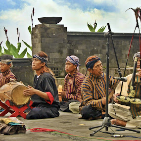 Music of Campur sari by Ferry Febriyanto - People Musicians & Entertainers