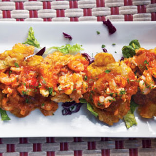 Tostones con Camarones Guisados (Plantain Fritters with Stewed Shrimp).