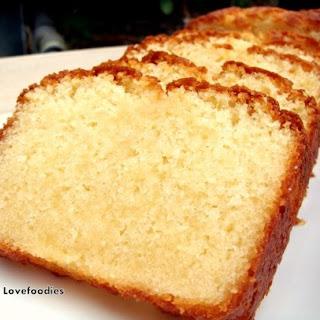 Moist Vanilla Pound / Loaf Cake.