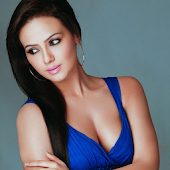 Sana Khan Too Hot