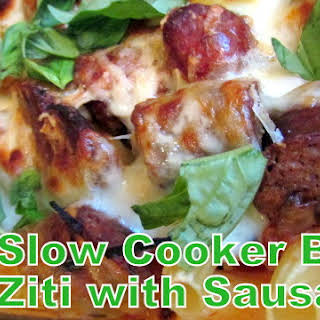SLOW COOKER BAKED ZITI WITH SAUSAGE.