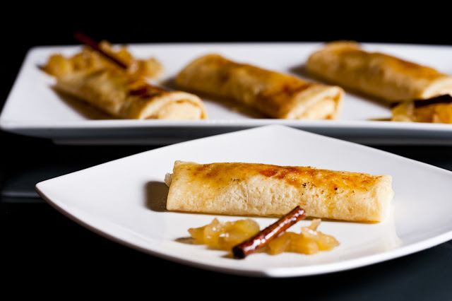Crepes filled with Cream and Caramelized Apple