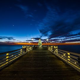 Christmas Sunset On Crystal Pier by Evgeny Yorobe - Public Holidays Christmas ( crystal pier, san diego, pacific beach sunset, christmas sunset, crystal pier sunset, garyfonglandscapes, holiday photo contest, photocontest )