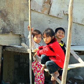 Children at play by Leong Jeam Wong - Babies & Children Children Candids ( child, girl, student, cambodian, khmer, cambodia,  )