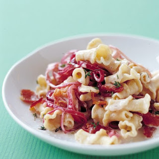 Pasta with Onion, Bacon, and Goat Cheese.