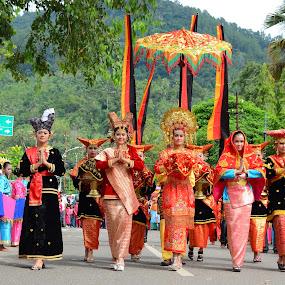 selamat datang di Sawahlunto by Alvi Eko Pratama - People Group/Corporate ( journalism, indonesia, human interest, traditional, people, culture, human, city )