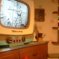 Fun, retro-50s atmosphere