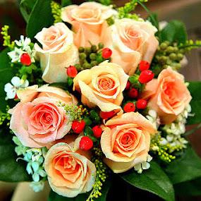 Roses Bridal Bouquet by Leong Jeam Wong - Flowers Flower Arangements ( bouquet, arrangement, wedding, roses, flower )