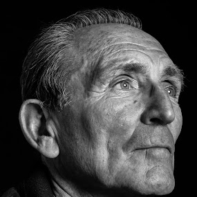 I want to be dramatic by Carol Henson - People Portraits of Men ( black and white, male, dramatic, dark, man, portrait,  )