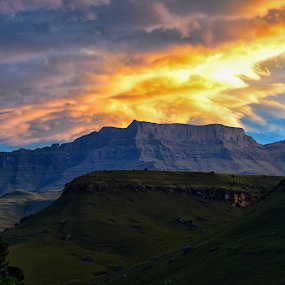 Sunset at Giant's Castle by Richard Wicht - Landscapes Mountains & Hills ( clouds, giant's castle, mountains, drakensburg, sunset, south africa, kzn, landscapes,  )