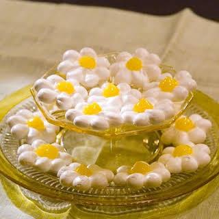 Meringue Daisies.
