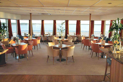 Viking-River-Cruises-Panorama-Bar - Relax and enjoy an afternoon aperitif while taking in the scenery in the Panorama Bar on board your Viking Cruises ship during your vacation in Russia.