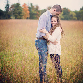 Beautiful and fun couple's engagement portraits in Leesburg,  VA by Mike Lesnick - People Couples ( mikeanderinlesnick, field, morvenpark, leesburg, engagement, portrait, fall, tallgrass, raining, engagementphotographers )