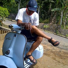 my blue getting blues by Danang Kusumawardana - Transportation Motorcycles ( vintage, vespa, blue )