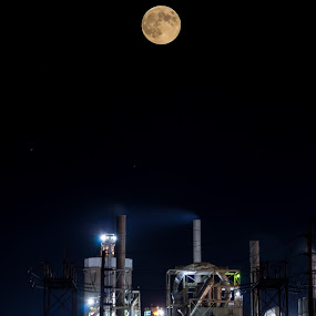 staunch by Yu Tsumura - Buildings & Architecture Architectural Detail ( indiana, moon, 2014, supermoon2014, usa, united states, west lafayette, night photography, full moon, factory, long exposure, night, supermoon, outside, september )
