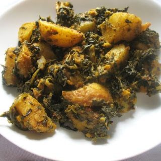 Saag Aloo (Spinach and Potato Curry) Recipe