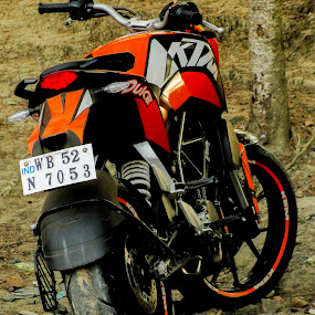 Perfect Stranger. by Souvik Kundu - Transportation Motorcycles ( bikes, biker, duke, streets, trip )