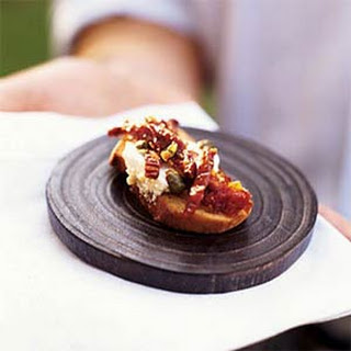 Sun-Dried Tomato and Goat Cheese Log