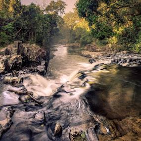 ... by Matheus Dalmazzo - Nature Up Close Water ( waterfall, rock, panoramic, river )
